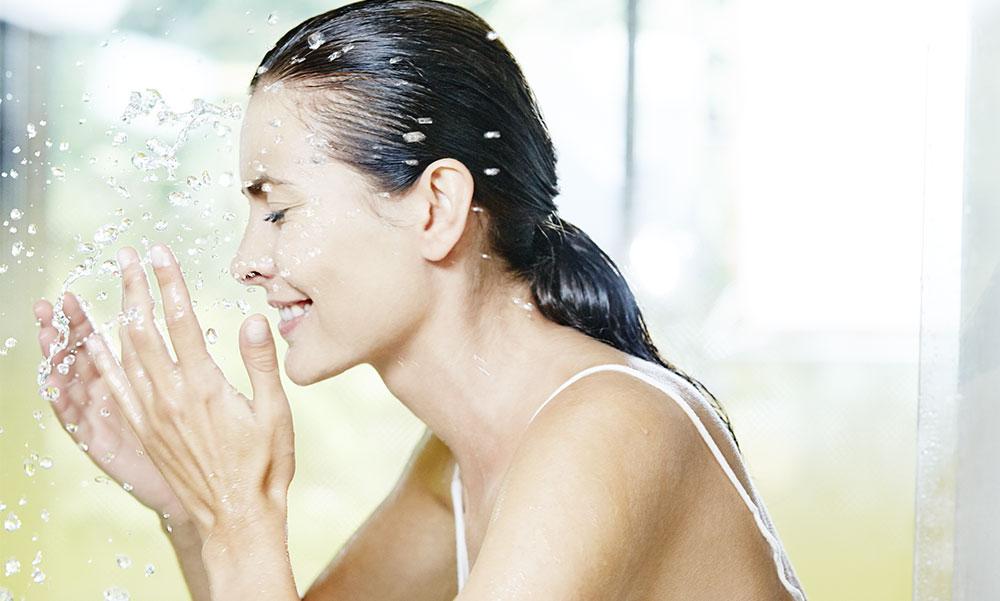 Hydrater et protéger sa peau de la pollution naturellement